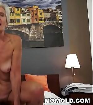 Old lady Viviana still needs lasting shaft
