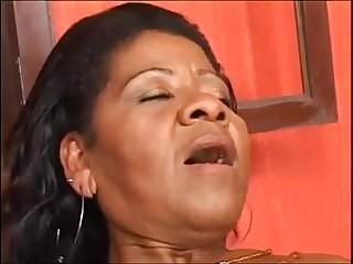 age-old black materfamilias - coroa brasileira