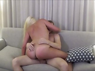Thick Blonde Breast-feed Cheats Beside Brother - Family Therapy