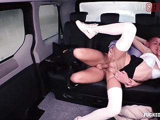 VIPSEXVAULT - Shrill Teen Partisan Cindy Sine Seduce Family Cup-boy About a Motor car