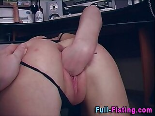 Pussy Fisted Slattern Gets Doting Facial