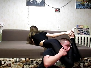 Headscissors in gym leggings young girl 19 yo
