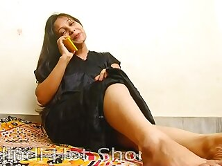 Indian Hot Sweeping Masturbates insusceptible to Phone