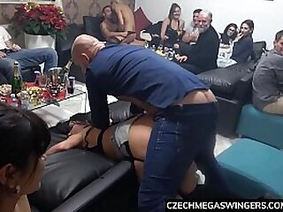 Girls Squirting at Homemade Swingers