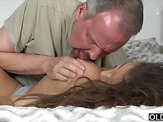 Teen gets lord it over hard fucked in her irritant by 2 age-old ragtag and takes facial